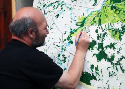 Proces výroby ručne maľovanej mapy